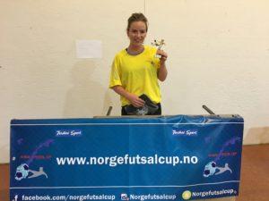Cupens beste kvinnelige spiller: Kristine Lohne Skaansar – RSA. Uredd og knalltøff i kampen mot gutta, bra løpskapasitet og i tillegg scoring.